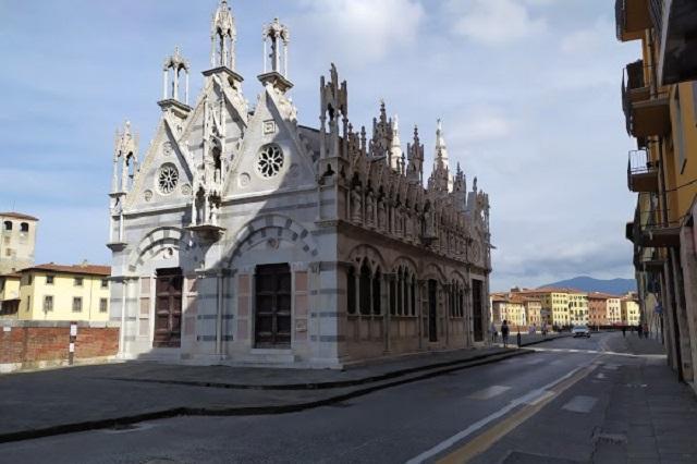 Chiesa-santa-maria-della-spina.jpg